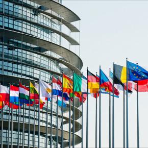 Europa, svegliamoci o ci sfilano il Paese